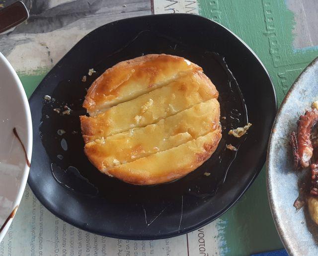 10.-Μελίπαστο-σαγανάκι-με-παραδοσιακό-πετιμέζι.jpg
